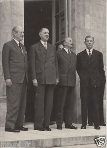 Photographie - le Général Charles DE GAULLE et le Ministre Antoine PINET