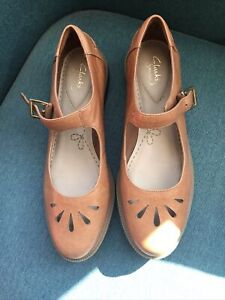 CLARKS GRIFFIN MARNI WOMENS LEATHER FLAT MARY JANE SHOES SIZE 8 D EU 42