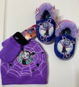 Disney Junior VAMPIRINA  HAT BEANIE AND GLOVES + COZY SLIPPER 7/8 SET