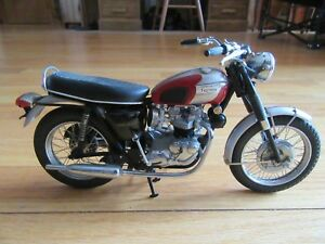 CL/FRANKLIN MINT 1969 TRIUMPH BONNEVILLE 1:10 SCALE DIECAST MOTORCYCLE/BIKE!