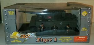 21st Century Toys 32X Ultimate Soldier Tiger I 1/32 WWII German Heavy Tank +Crew