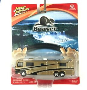 Johnny Lightning Monaco Beaver Patriot Coach Motor Home RV Gold Die Cast 1/64