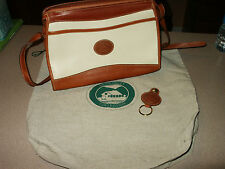 Vtg Siesta Valley Collection Beige & Tan Pebbled Leather Purse w/Keychain & Dust
