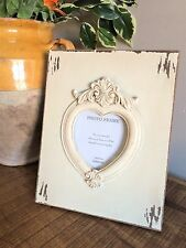 Shabby Wooden Picture Photo Frame Cream Heart Shaped Aperture Vintage Style 4x4""