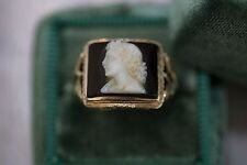 Classic 14k yellow gold cameo ring