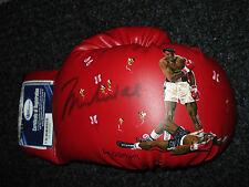 Muhammad Ali signed boxing glove. OA # 8062355