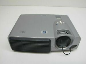HP VP6121 DLP Digital Projector with remote only 160 light hrs