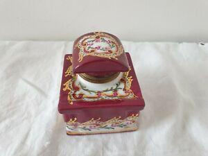 porcelaine de limoges bel encrier décoré a la main avec son godet