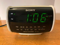 Sony Digital Clock Radio Alarm AM/FM Dream Machine ICF-C112 Battery Back Up