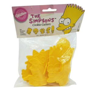 VINTAGE 1990 WILTON THE SIMPSONS YELLOW PLASTIC COOKIE CUTTERS IN PACKAGE BART