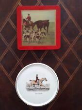 2 sous verre chasse à courre ( bois et porcelaine)