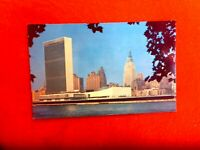 UNITED NATIONS  NEW YORK HEADQUATERS  RETRO POSTCARD UNUSED