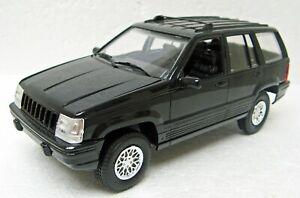 Plastic 1995 Jeep Grand Cherokee black 1/24 NM