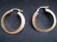 14K Yellow Gold Diamond Cut & Polished Knife Edge Hoop Earrings, 25mm x 4mm