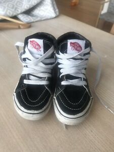 Black Suede Kids Vans Trainers Size UK10 In Great Condition
