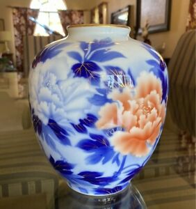 Antique Fukagawa Seiji Arita Japanese Porcelain Floral Vase
