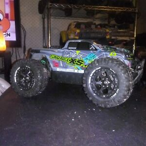 HPI Racing SAVAGE XS FLUX ( w/lipo). ARR...just need charger