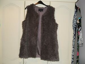 LOVELY LADIES CENTIGRADE SLEEVELESS JACKET / WAISTCOAT / GILLET SIZE LARGE 16