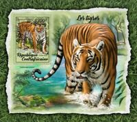 Central Africa - 2017 Tigers on Stamps - Stamp Souvenir Sheet CA18010b