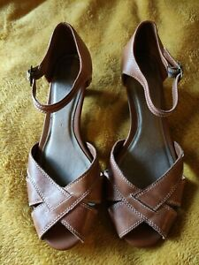 Footglove 6 leather sandals excellent condition worn once