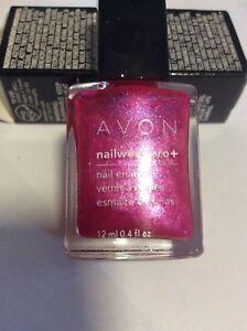 Avon nail polish Nailwear Pro + Hottie Bombe
