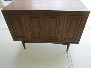 Vintage Mid Century Modern Buffet And Cabinet By Broyhill Sculptra  From 1960s