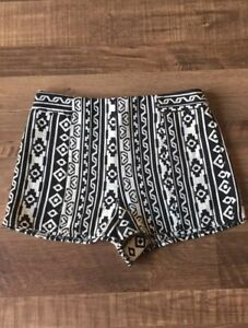 NWT Forever 21 Aztec Tribal Printed Casual Shorts M