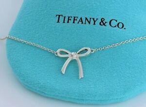 "Tiffany & Co Plata de Ley Mini Cinta Lazo Colgante Charm 16"" Collar en Caja"