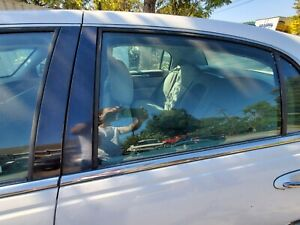 2003-2004-2005-2006-2007-2008-2009 LINCOLN TOWN CAR LEFT REAR DOOR GLASS