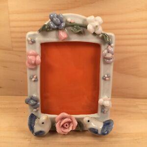 "SWEET SONG BIRDS ""Pastel White"" Romantic Ornamental Freestanding Photo Frame"