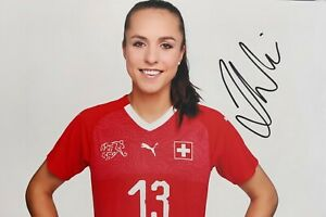 LIA WÄLTI Arsenal London Schweiz SUI Foto signiert 20x30 8x12 signed Autogramm