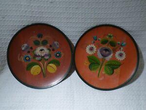 Pair of Vintage Hand-Painted Wooden Plates – Scandinavian Rosemaling Design