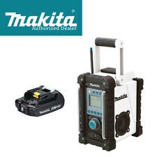 Makita XRM02W 18V Compact Lithium-Ion Cordless Job Site Radio w/BL1820B Battery