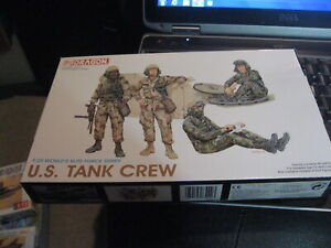 U.S. Tank Crew by Dragon in 1/35 scale from 1993