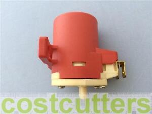 Peugeot 504 - Front Windscreen Washer Pump