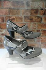 CLARKS CUSHION SOFT TAUPE PATENT SNAKE PRINT MARY JANE SHOES SIZE UK 5 NEW R24