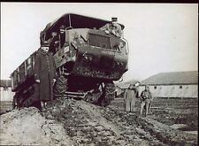 photo . militaria . régiment .guerre . véhicule à chenilles