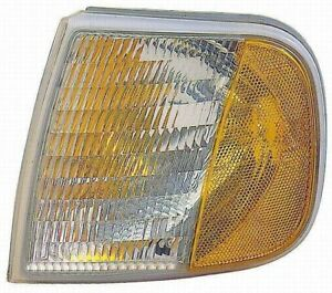 Turn Signal / Parking Light Assembly Front Right Maxzone 331-1538R-USN