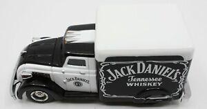 Matchbox YYM37790 Jack Daniel's 1937 Dodge Airflow