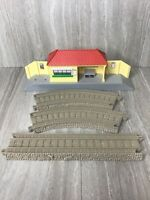 Thomas & Friends Trackmaster LOWER TIDMOUTH Train Station w/ Track 2009
