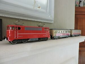 lot de 2 wagons et locomotive hornby