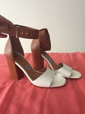 NWT Me Too Shoes Size 6. Beautifully Made In Spain Very Soft Leather