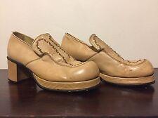 Vintage 70s Mens Platform Shoes 8 Tan Leather 2 1/2 Inch Heel Disco Glam Slip On