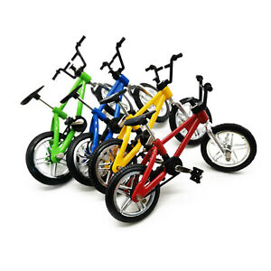 1Pcs Dollhouse 1:12 Bicycle Miniature Mountain Bike Accessories Random Color