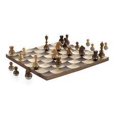 UMBRA scacchiera WOBBLE CHESS SET in legno di noce e acero 38 x 38 cm 377601-656