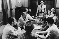 12 Angry Men 11x17 Mini Poster Henry Fonda & cast around jury table discuss case