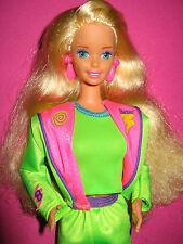 B164-vieja rubio barbie mattel 90er años completa neón verdes original-ropa