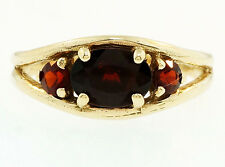 Vintage 9ct Yellow Gold Graduated Garnet Three Stone Ring (Size O) 7.5mm Widest
