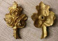 1 Bronze doré d' ameublement ancien , bouquet de fleurs.Fin 19 ème .
