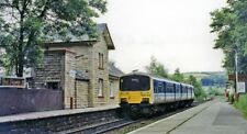 PHOTO  DERBYSHIRE  CHAPEL-EN-LE-FRITH SOUTH RAILWAY STATION WITH DMU 150144 1992